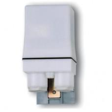 105181200000, Фотореле корпусное для монтажа на улице; 1NO 12A; питание 120В АC; настройка чувствительности 1…80люкс; степень защиты IP54