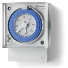 123182300007, Реле времени механическое недельное; монтаж на панель; 1СO 16A; питание 120...230В АC; резервн.источник питания; степень защиты IP20